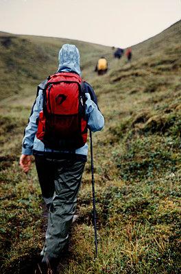 Trekker, Iceland - p1028m2043541 von Jean Marmeisse