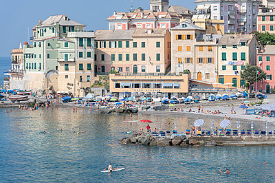 View of houses and beach, Bogliasco - p1292m2126976 by Niels Schubert