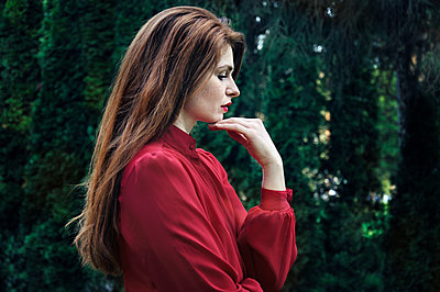 Portrait of a beautiful red haired woman - p577m1333114 by Mihaela Ninic