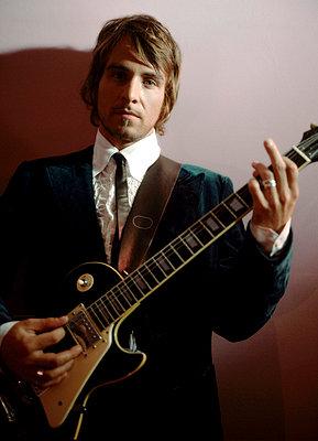 Gitarrenspieler - p2680463 von Christof Mattes