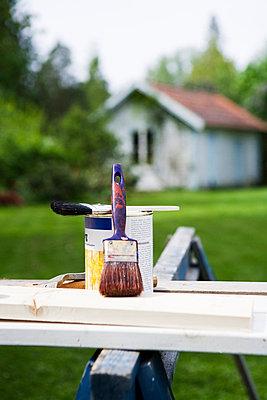 Paint and a paintbrush. - p31222066f by Plattform