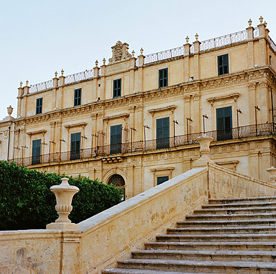 Palace in Noto - p453m925728 by Mylène Blanc