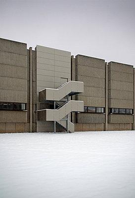 betontreppe - p627m671279 by Julius Steffens