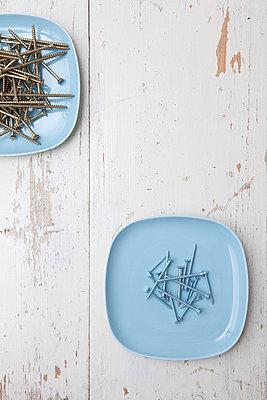 Schrauben auf Tellern - p4540972 von Lubitz + Dorner
