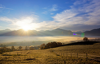 Germany, Bavaria, sunrise above Loisachmoor - p300m1449680 by Hans Lippert
