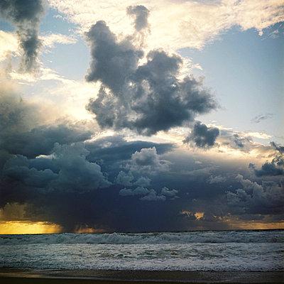 ocean beach (anglet)   - p5672666 by Sandrine Agosti-Navarri