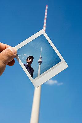 Polaroid - p1423m1589000 by JUAN MOYANO