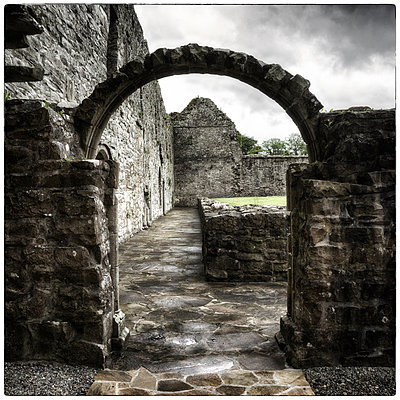 Archway - p1154m1074085 by Tom Hogan
