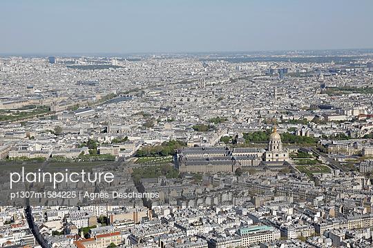 View over Paris - p1307m1584225 von Agnès Deschamps