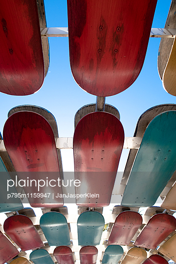 Skateboard-Decks - p795m1159947 von Janklein