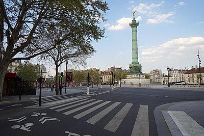 Place de la Bastille Paris during Covid-19 - p1610m2181502 by myriam tirler