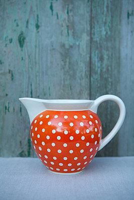 Fröhliche Vase - p454m739728 von Lubitz + Dorner