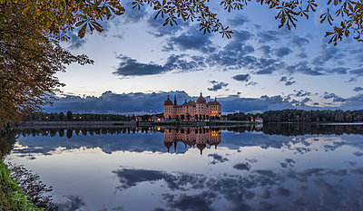 Germany, Saxony, Moritzburg Castle at castle pond - p300m1015008 by Patrice von Collani