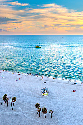 Clearwater Beach, Florida, Gulf Of Mexico, United States - p651m2007014 by John Coletti photography