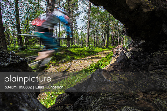p343m1090332 von Elias Kunosson