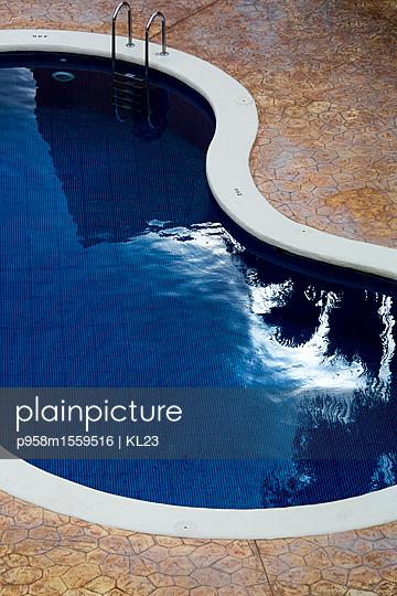 Pool - p958m1559516 von KL23