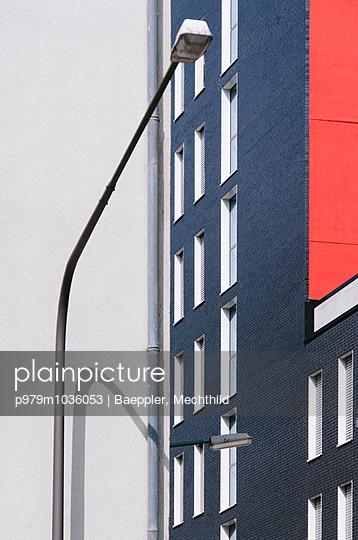 Straßenlaterne  - p979m1036053 von Baeppler, Mechthild