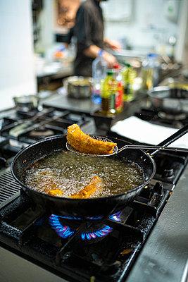 Restaurant Kitchen, ermua,Spain - p300m2221411 von SERGIO NIEVAS