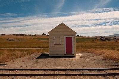 Alte Bahnstation in Otago - p470m1556406 von Ingrid Michel