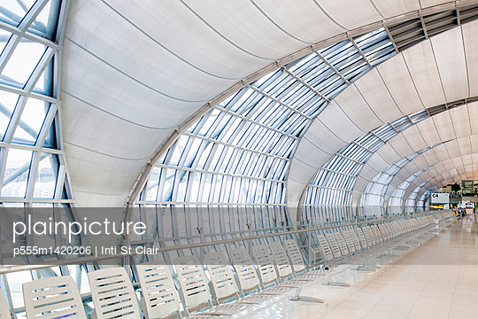 Modern architecture of Suvarnabhumi Airport, Bangkok, Thailand