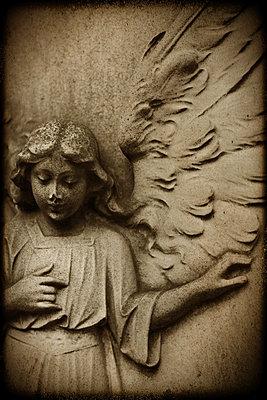 Angel - p1028m856686 by Jean Marmeisse