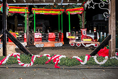 Christmas fair - p1177m1221045 by Philip Frowein