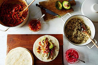 vegan burrito - p1379m1492518 von James Ransom