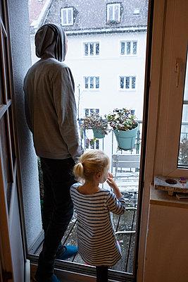 Winter in der Stadt - p454m2128142 von Lubitz + Dorner
