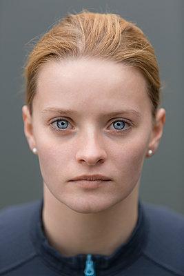Portrait - p552m891915 by Leander Hopf