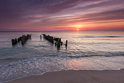 Germany, North Frisia, Sylt, Rantum, view to the sea by sunset - p300m1028597f by Marco Rank