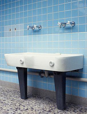 Waschraum - p2370196 von Thordis Rüggeberg