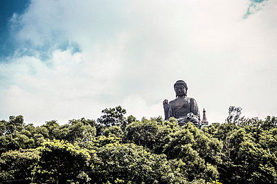 Buddha in Hongkong - p741m892091 von Christof Mattes