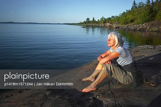 Frau in den Schären - p1418m1571244 von Jan Håkan Dahlström