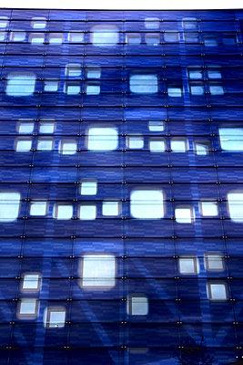 Gebäudefassade - p1268m1149085 von Mastahkid