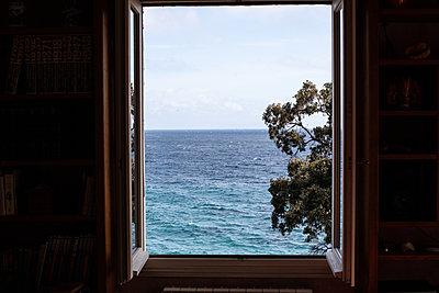 Window open to the sea - p1513m2221809 by ESTELLE FENECH