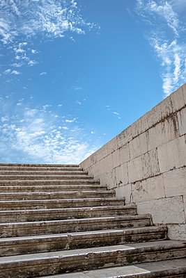 Portugal, Stairs in Lisbon - p335m2177633 by Andreas Körner
