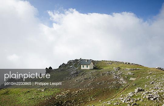 p910m2233865 by Philippe Lesprit
