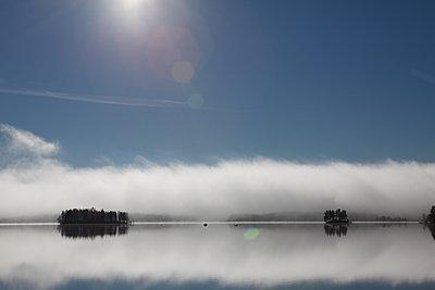 Inseln im spiegelglatten See - p235m1071744 von KuS