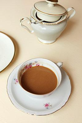 Coffee break - p045m813512 by Jasmin Sander