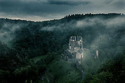 Burg Eltz - p1512m2037973 von Katrin Frohns