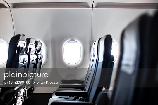 Flugzeug - p713m2099160 von Florian Kresse