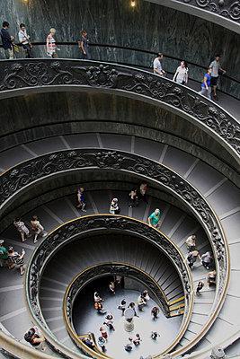 Wendeltreppe im Vatikan - p277m729238 von Dieter Reichelt