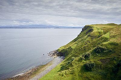Küste Isle of Skye - p1124m1491358 von Willing-Holtz