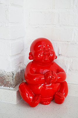 Roter Buddha - p817m2143095 von Daniel K Schweitzer