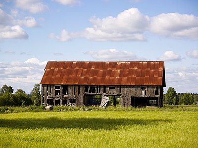 Old abandoned barn - p312m742694f by Jan Töve