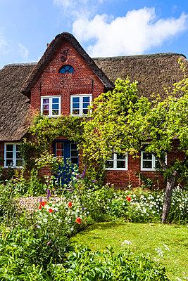 Bauernhaus - p488m816624 von Bias