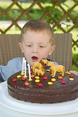 Birthday cake - p2430172 by Claudia Anys