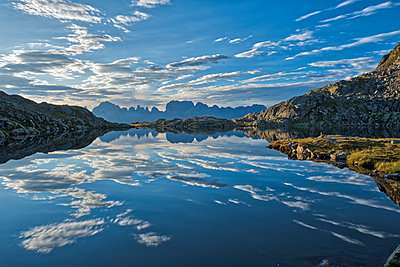 Italy, Trentino, Rendena Valley, Lake Nero and Brenta mountain range at sunrise - p300m2042774 by Lorenzo Mattei
