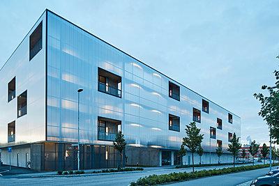 Modern residential building - p312m1472447 by Johan Alp