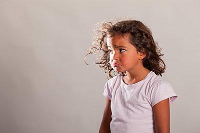Unhappy girl - p1231m1525112 by Iris Loonen